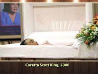 116 Celebrities with OPEN CASKET Funerals thumb12002