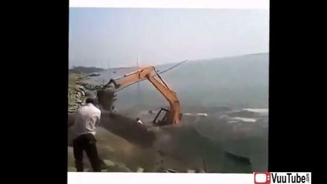 Heavy Equipment Accidents pt 1 thumb15060
