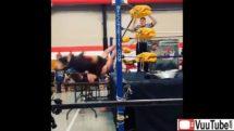 Super Fattie Wrestling Crusher Move thumb1