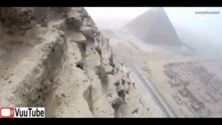 Teen Illegally Climbs Egypts Great Pyramid thumb1